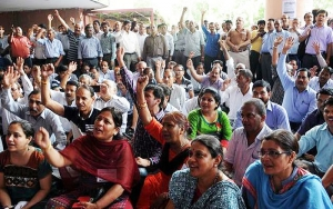 Massive Strike by Central Government Employees